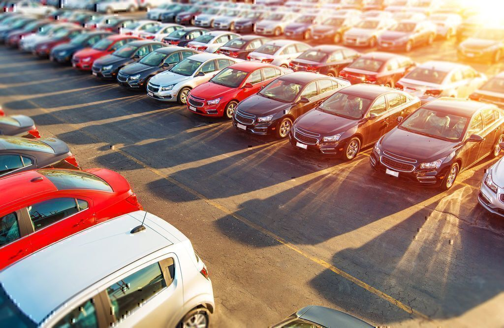 Finding the Best Car Retailer: CarMax vs. Carvana